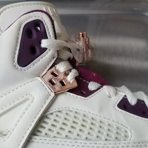 save off 568e7 b2d8a Jordan Shoes - Jordan SpiZike Bordeaux Rose Gold Size 7